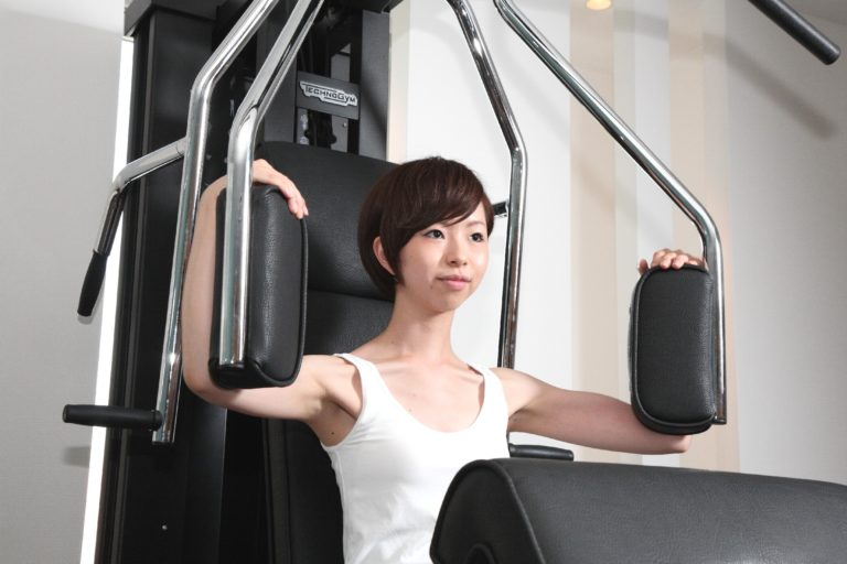 【トレーニング記事紹介】回転盤の上で体幹バランスを目覚めさせる新しい筋トレマシン上陸